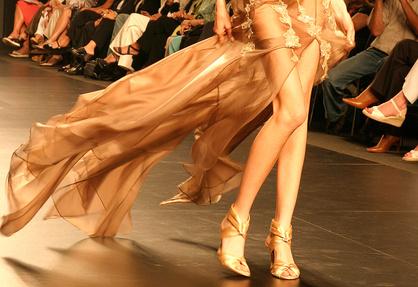 Ein Model nur mit den Beinen fotografiert