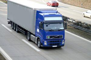 Ein LKW auf der Autobahn
