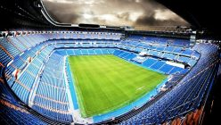 Ein Fußball-Stadion von innen
