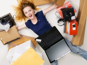 Artikelgebend ist das Online-Shopping als Schuldenfalle.