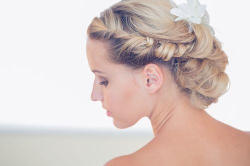 Traumhafte Hochzeitsfrisuren 2015
