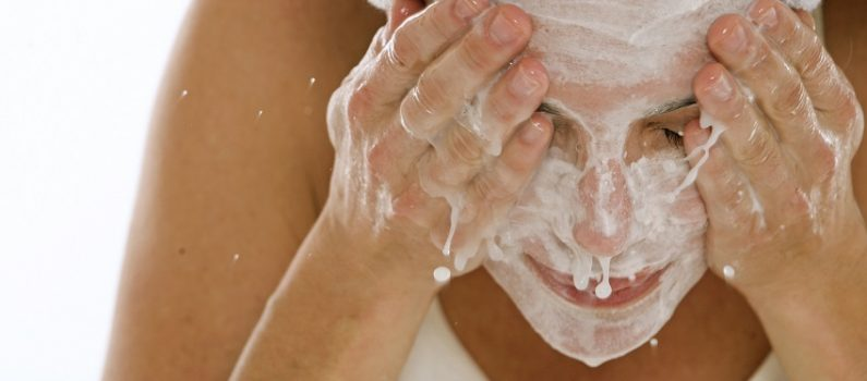 Waschen, Cremen, Schminken: Beautytipps bei Nesselsucht