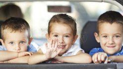 So meistert man eine lange Autofahrt mit Kindern