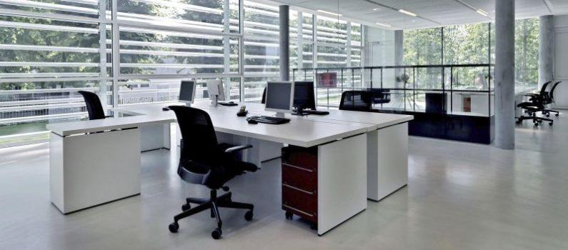 Knigge fürs Büro: So benimmt man sich im Job